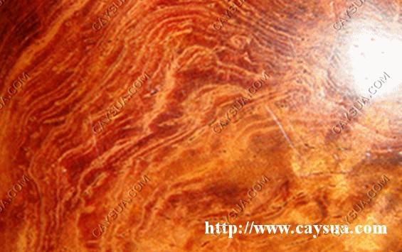 Hình ảnh cận cảnh sản phẩm làm từ gỗ sưa đỏ